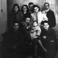 Silvio Corbari, Iris Versari e altri due partigiani ripresi a gennaio a Tredozio, unitamente alla famiglia che li ospitava