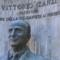 Monumento a Vittorio Zanzi