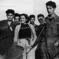 Partigiani del gruppo Mazzini ripresi a Montecodruzzo nell'estate 1944