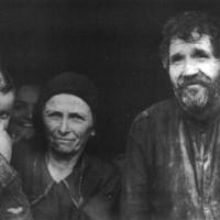 Famiglia del podere Casella, Monte Marino, sopra Strabatenza, novembre 1943